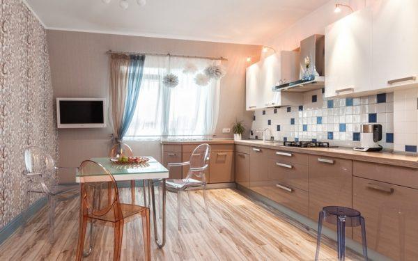 Бежево-белая кухня фото