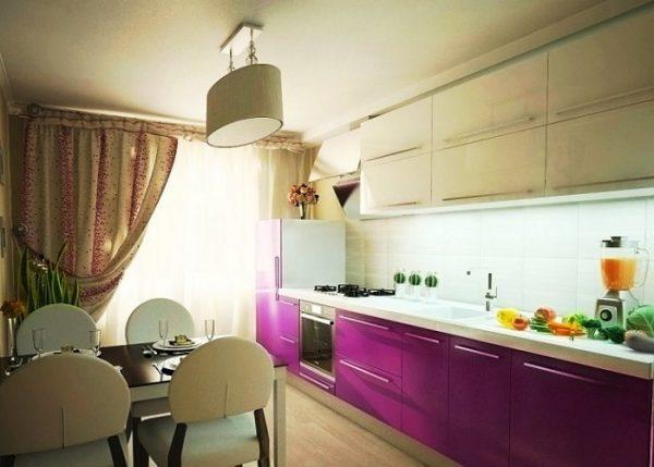 Фиолетовый и бежевый цвет в кухни