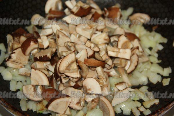 Жульен с кальмарами и грибами - 14 пошаговых фото в рецепте