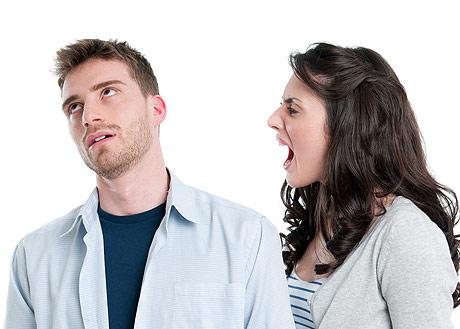 Почему мужчины боятся женских эмоций?